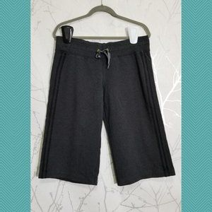 Lululemon Charcoal French Terry Mid Rise Capris